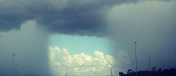 Objavio zanimljivu meteorološku fotografiju, a pola interneta sumnja na Photoshop