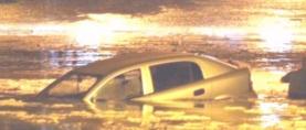 Nevrijeme i potres u Skoplju: Automobili završili pod vodom