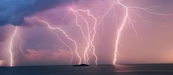 Ciklona Eva: Grmljavinski spektakl u Istri i na dubrovačkom području (FOTO)