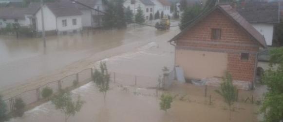 Slavonija pod vodom, vojska evakuira okolicu Požege!
