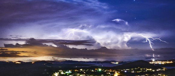 "Kako je olujni ""splitski"" oblak izgledao iz daljine? (FOTO)"