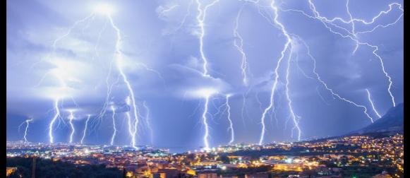Spektakularne munje na splitskom području (FOTO, VIDEO)