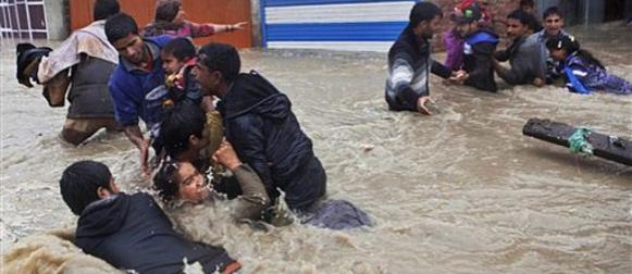 Više od 200 mrtvih u poplavama u Indiji i Pakistanu