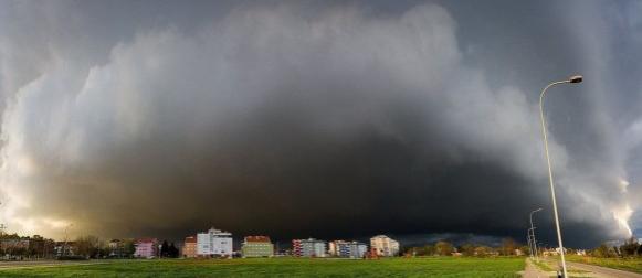 Olujni sustav se premještao preko unutrašnjosti, na Jadranu sezona kupanja ne prestaje!