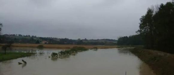 Nove poplave prijete nakon obilne kiše  u unutrašnjosti, Na Zavižanu 38 cm snijega