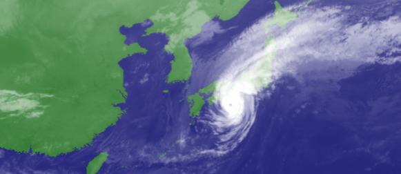 Japan na udaru tajfuna Phanfone