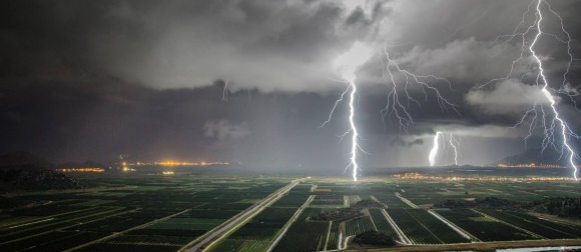 Ciklona David donosi jako grmljavinsko nevrijeme dijelovima Jadrana, od srijede sunčanije i hladnije