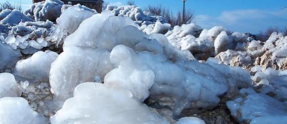Jednom u desetljeću: Pogledajte ledom okovani poluotok Svetog Petra u Makarskoj (VIDEO)