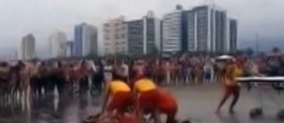 Brazil: Munja udarila u plažu i ubila 4 osobe, među njima i trudnica