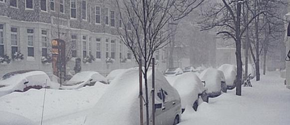 "Blizzard  Juno  ""za dlaku"" zaobišao New York, U Bostonu pala rekordna dnevna količina snijega"