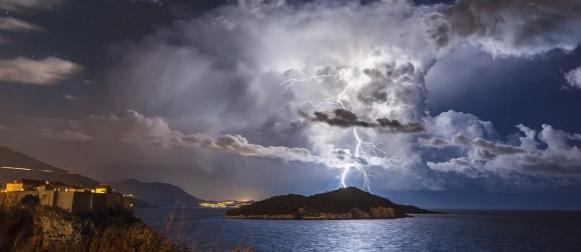 Fotografija iz Hrvatske foto dana najpoznatijeg svjetskog lovca na oluje