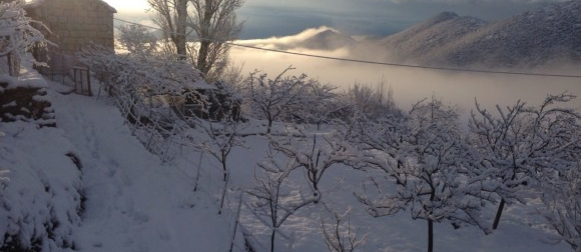 Snijeg zatrpao Mosor i Biokovo, padao na Klisu, Kozjaku,Braču, Hvaru…