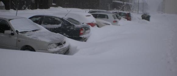 Obilan snijeg zatrpava  unutrašnjost (FOTO, VIDEO)