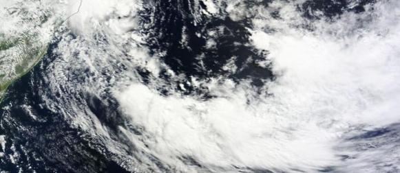 Rijetka suptropska oluja Cari ispred obala Brazila
