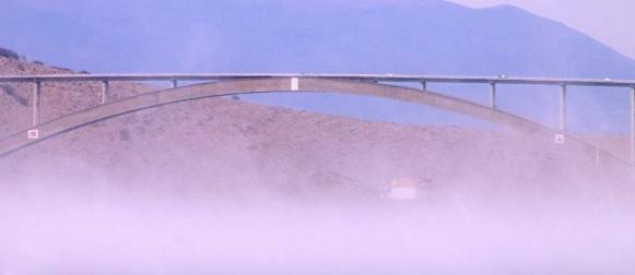 Prva marčana bura: Udari na Krčkom mostu dosežu 167 km/h (VIDEO)