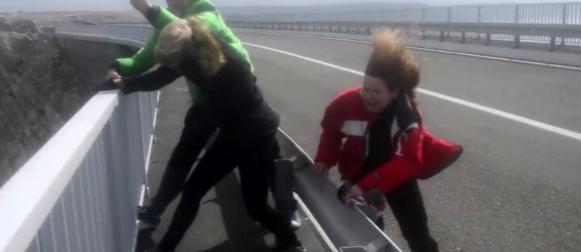 Na Paškom mostu odolijevali udarima bure od 170 km/h (VIDEO)
