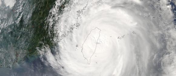 Tajvan na udaru tajfuna Megi: Palo do 1105 litara kiše