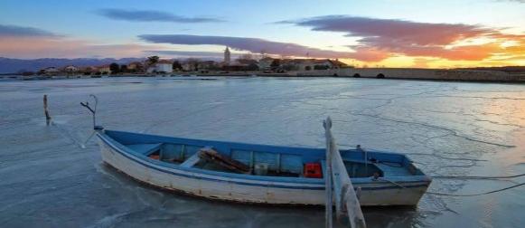 Ledeni dani u unutrašnjosti, na Jadranu malo toplije
