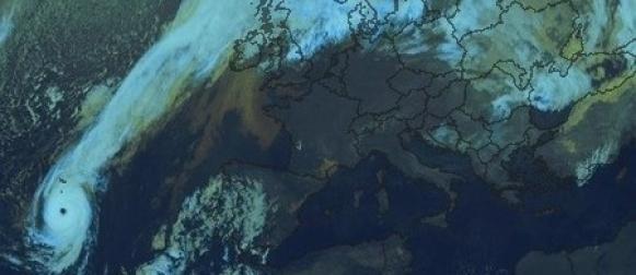 Ophelia postala uragan treće kategorije;  Irsku će pogoditi kao snažna post tropska ciklona