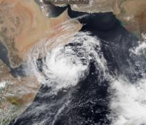 Jug Omana na udaru tropskog ciklona treće kategorije