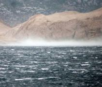 Jesenska fronta donijela kišu, zahlađenje i  orkansku buru