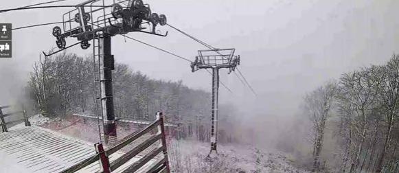 Kraj babljeg ljeta: Snježne pahulje u gorju