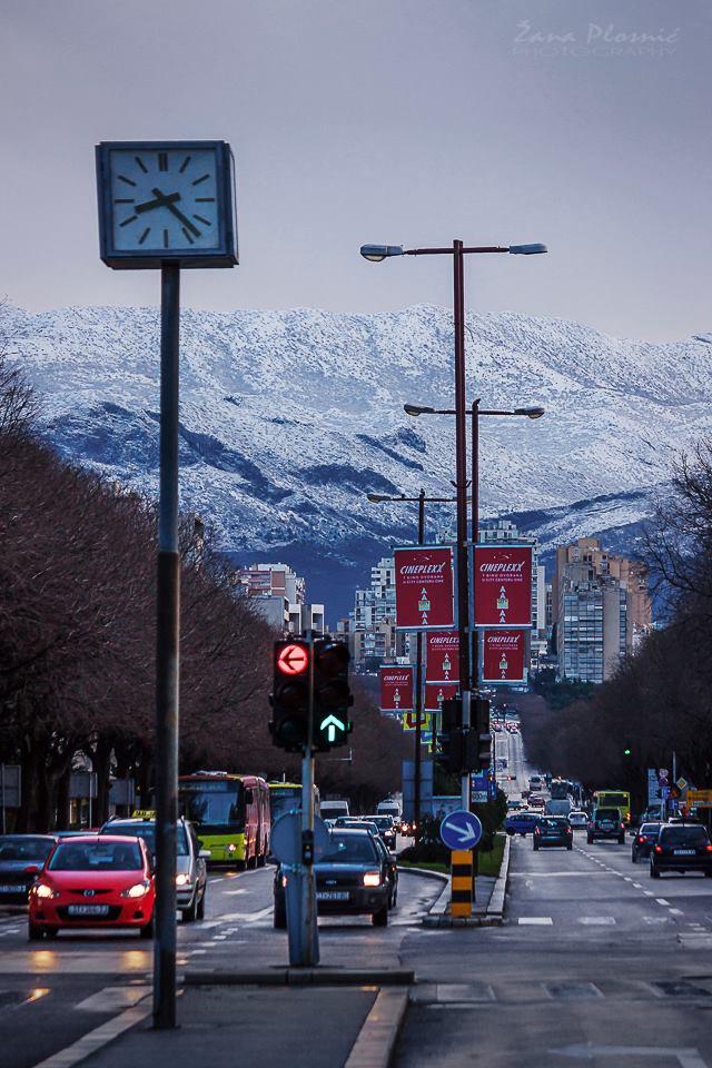 Prekrasan pogled iz Splita na snježni Mosor, 2.2.2015. Foto: Žana Plosnić